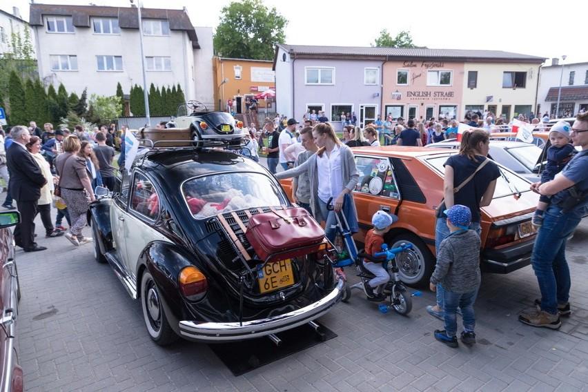 Zlot Pojazdów Zabytkowych corocznie gromadzi tłumy...