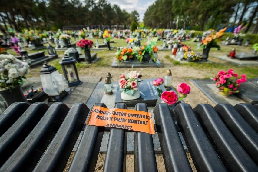 Sprawa usuwania ławeczek przy grobach w kwaterze VIII na...