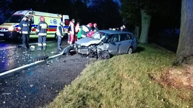 Do wypadku doszło na drodze krajowej nr 22 między Gorzowem a Różankami. Cztery osoby zostały poszkodowane.