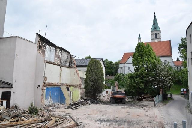 Kamienica socjalna przy Małym Przedmieściu 8 - po rozbiórce.