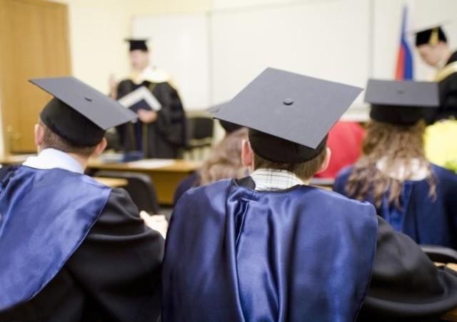 Minimalne wynagrodzenie nauczycieli akademickich (kwoty brutto) od 1 stycznia 2019 wyniesie....Więcej w dalszej części galerii >>>