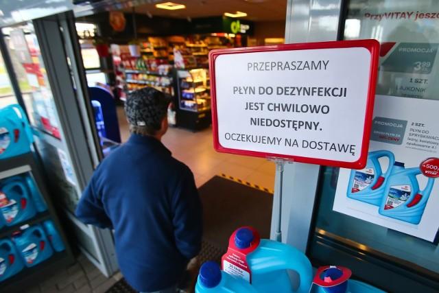 Na stacjach Orlenu nie ma płynu do dezynfekcji...