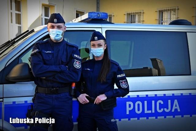 Wcześniej zakochali się w sobie. Teraz razem dumnie noszą policyjne mundury.