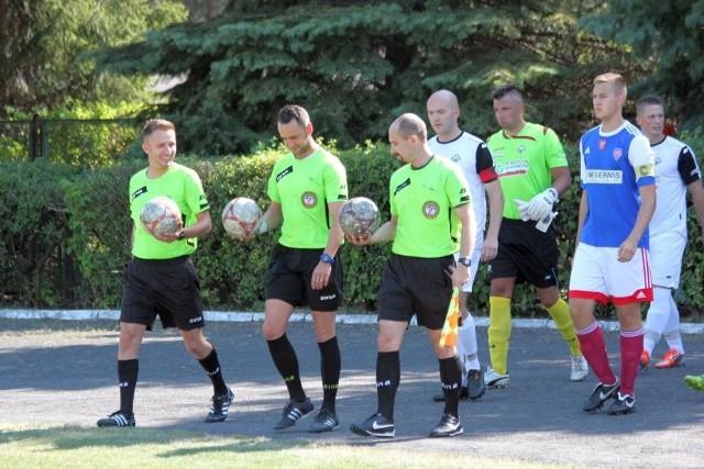 Ten weekend przejdzie do historii piłki na Mazowszu. Narew w meczu IV ligi uległa Naprzodowi Skórzec 2:15.