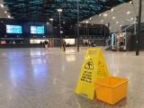 Dworzec Łódź Fabryczna - dach przecieka od otwarcia w 2016 roku. Wykonawca nie potrafi poradzić sobie z przeciekającym dachem Fabrycznego
