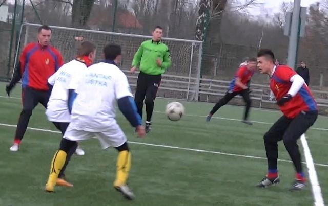Gryf Słupsk pokonał grający w klasie okręgowej Jantar Ustka 6:0 (2:0).