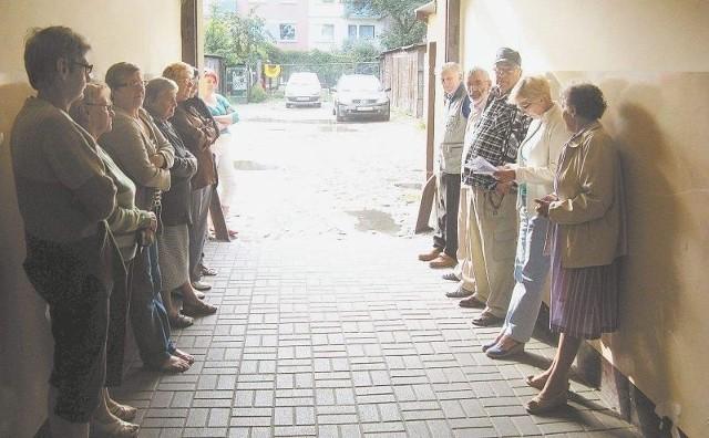 Lokatorzy z Gdańskiej 91 chcą zaprosić prezydenta do swojej kamienicyLokatorzy chcą zaprosić prezydenta i prezesa ADM do swojej kamienicy. Wysyłać będą także listy protestacyjne
