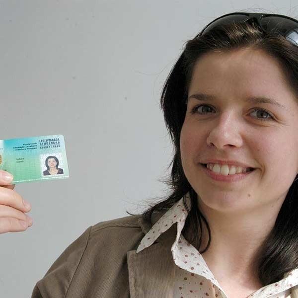 Barbara Stanek, studentka Wyższej Szkoły Informatyki i Zarządzania w Rzeszowie: - To dobra wiadomość. Wreszcie nie będę musiała nosić kilku legitymacji. Wystarczy tylko jedna.