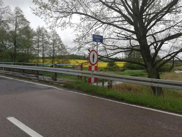 Ograniczenia prędkości i zakaz ruchu pieszych na moście na rzece Orlanka w gminie Orla.