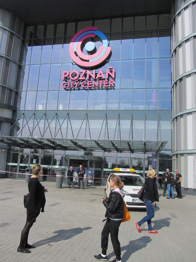Dzisiaj i jutro Centrum Handlowe Poznań City Center będzie nieczynne. Termin  otwarcia zależy od tego wyników kontroli jaką na kazał nadzór budowlany i od samego Powiatowego Inspektora   Nadzoru Budowlanego, który musi wydać pozwolenie na otwarcie galerii