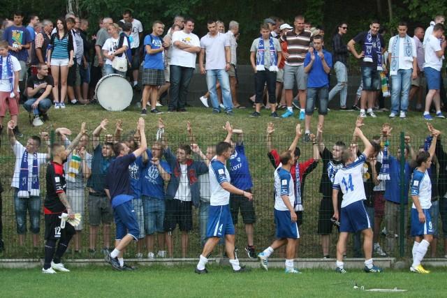 Piłkarze Floty na boisku nie zawodzą, ale czekają na poprawę sytuacji organizacyjnej klubu.
