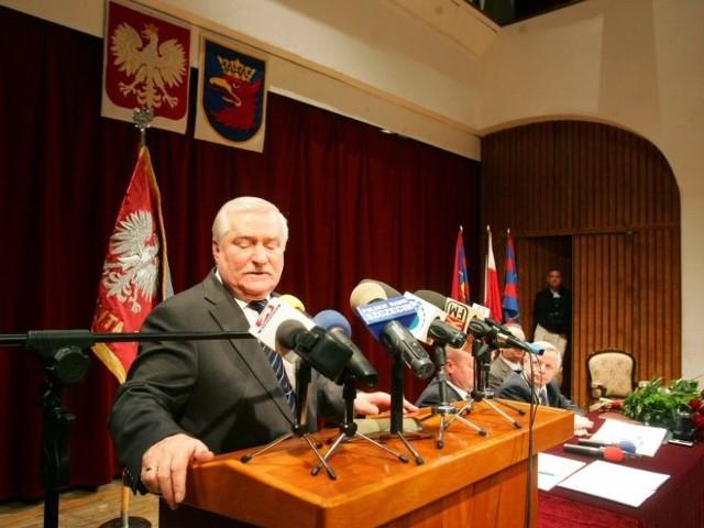 Walesa honorowym obywatelem SzczecinaUroczystośc nadania Lechowi Walesie tytulu honorowego obywatela Szczecina.