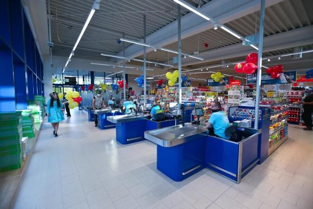 Poza podwyżką wynagrodzenia od marca, każda osoba o minimum półrocznym stażu pracy w Lidlu otrzyma jednorazową nagrodę roczną w wysokości od 50% do 100% wartości wynagrodzenia.