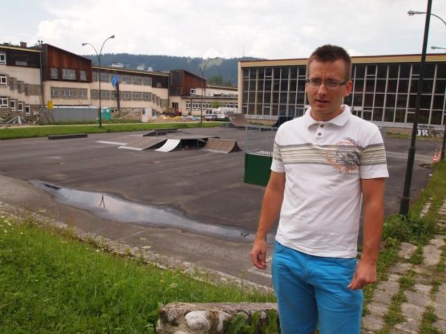 Mateusz Leks był pomysłodawcą projektu budowy boiska przy Zakopiańskim Centrum Edukacji. Na razie jednak nie wiadomo kiedy ono powstanie