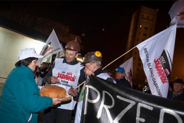 Pracownicy kopalni protestuja przeciwko likwidacji miejsc pracy i rządowemu programowi górnictwa