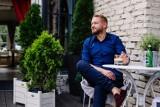 Bartek Jędrzejak o swojej depresji: Nie jadłem. Ważyłem 64 kg. Nie chciałem wyjść z domu... Pomogli najbliżsi