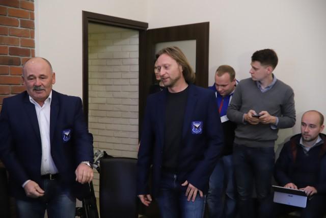 Lech Kędziora (od lewej) odszedł z Orła, Adam Skórnicki (w środku) zajął jego miejsce