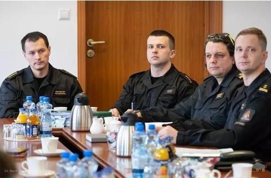 Podczas spotkania przedstawiono podejmowane działania oraz możliwości poszczególnych służb w związku z sytuacją CIGO w Studziankach.