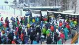 Ogromny korek do Szczyrku. Ale warunki narciarskie i pogoda - bajkowe