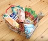 Potrzebujesz pomocy, chcesz pomóc innym? Sprawdź kto otrzyma od gminy paczkę żywnościową