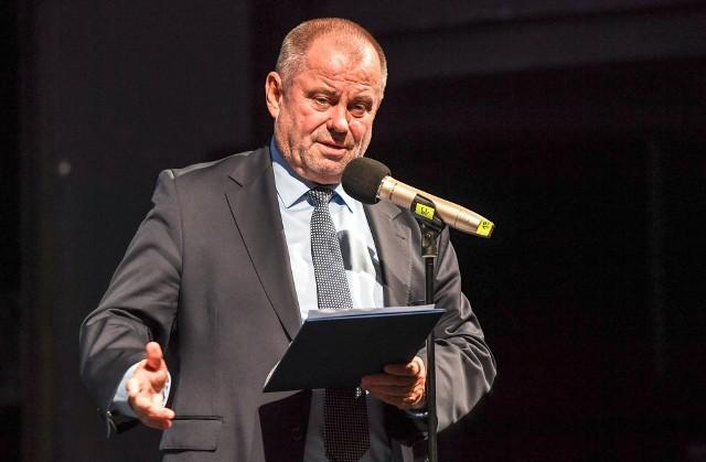 Prof. Alojzy Nowak kilka dni temu został wybrany nowym rektorem Uniwersytetu Warszawskiego. W sobotę powinien na kolejną kadencję objąć fotel prezesa Akademickiego Związku Sportowego