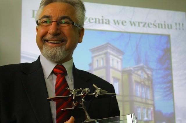 Jak podkreśla Wiesław Szkondziak, szkoła musi kształcić w zawodach, które mają przyszłość. Takim kierunkiem ma być technik eksploatacji portów i terminali.