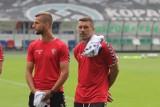 Górnik Zabrze. Czy Łukasz Podolski zdąży na derby z Piastem Gliwice? Na razie jest w Monachium na zabiegach. Kiedy wróci do Zabrza?