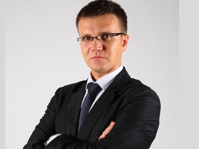 - Swoje poglądy zostawiam w szatni - mówi Mateusz Jabłoński, specjalista od PR