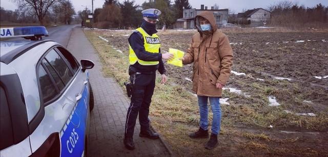 """Policjanci z Aleksandrowa działania pn. """"Niechroniony Uczestnik Ruchu Drogowego"""""""