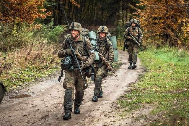 """Wojsko chce przeszkolić na stopień kaprala 428 osoby, które zgłoszą się do Komend Uzupełnień wprost z """"cywila"""".Czytaj dalej --->"""