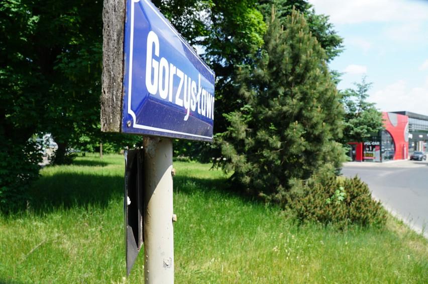 Podczas strzelaniny na ul. Gorzysława oddano kilkanaście...