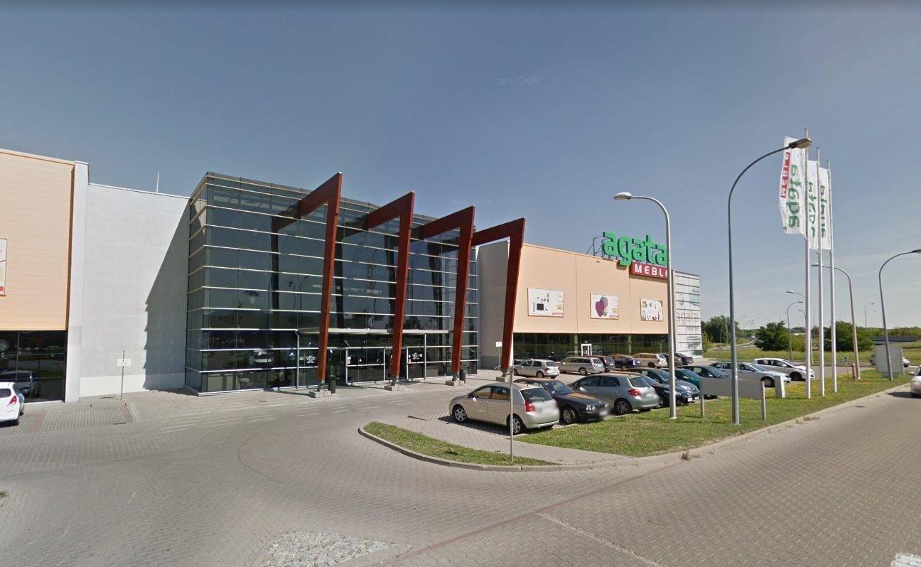 Akcja Policji W Agata Meble We Wroclawiu Wyproszono Klientow