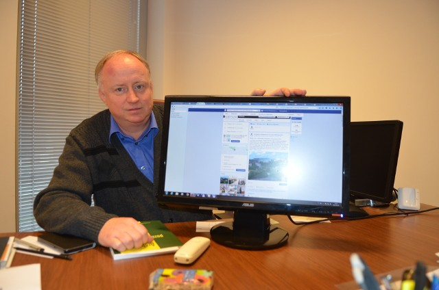 Dariusz Rymar jest dyrektorem Archiwum Państwowego w Gorzowie. Historię regionu i miasta przypomina regularnie na facebookowym profilu Archiwum Państwowego. Warto tam zajrzeć.