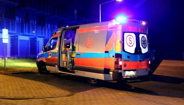 """Do wypadku przy pracy doszło w nocy z wtorku na środę (23/24 lutego) w jednym z zakładów na terenie strefy ekonomicznej  w Radomsku. Pracownica została """"wciągnięta przez maszynę""""...CZYTAJ DALEJ >>>>zdjęcie ilustracyjne"""