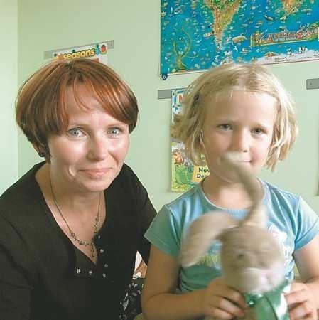 - Moja córka zaczęła się uczyć angielskiego, gdy miała dwa lata. Wtedy powstała Abrakadabra i wraz ze szkołą rozwija się coraz bardziej - mówi mama Magda Karwicka-Staśkiewicz