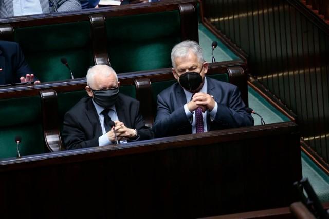 Podwyżki dla polityków. Sejmowa komisja pozytywnie o projekcie nowelizacji. Dzisiaj posłowie zajmą się pensją prezydenta i samorządowców