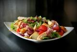 Dieta w chorobie Hashimoto. Co jeść, a czego unikać? Porady dietetyków klinicznych
