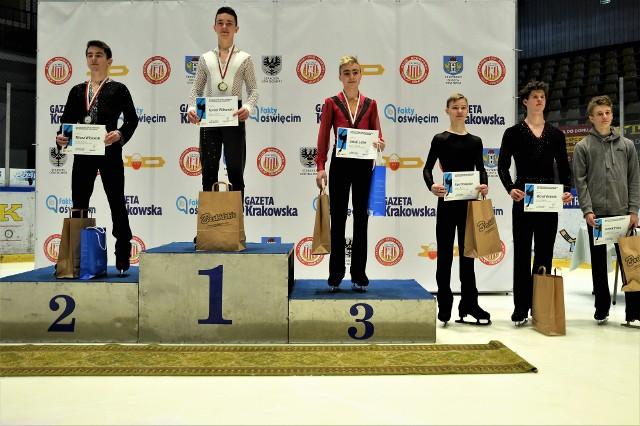 Medaliści mistrzostw Polski juniorów wśród solistów. Jakub Lofek (UKŁF Unia Oświęcim) stanął na najniższym stopniu podium. 5 miejsce zajął Michał Woźniak (Soła Oświęcim).