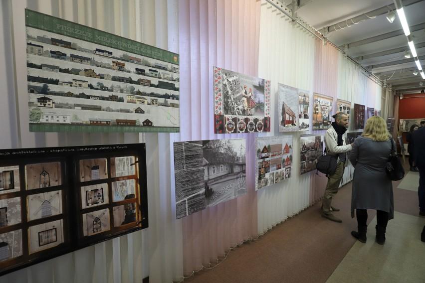 Wystawa studentów Politechniki Białostockiej o architekturze Korycina