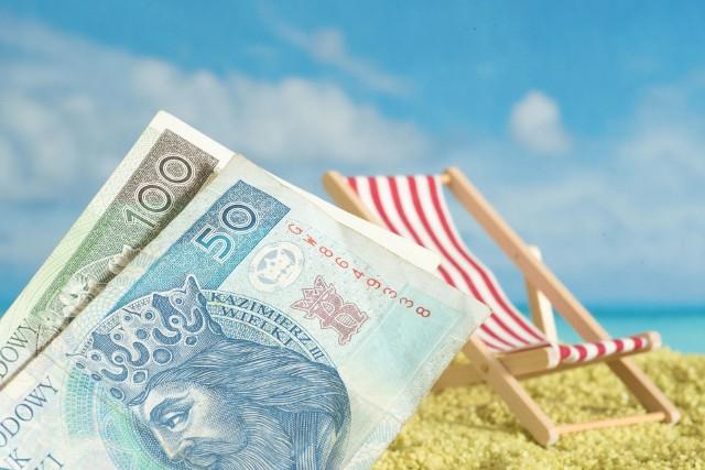 Bon turystyczny, czyli 500 plus na wakacje teraz daje większe możliwości. Ze świadczenia można już finansować nie tylko noclegi.