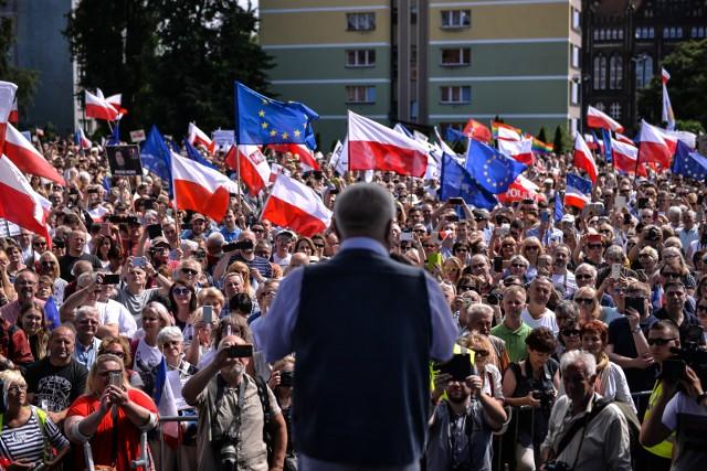 Swój udział w manifestacji zapowiedział m.in. Lech Wałęsa