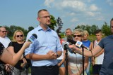 Nowy Sącz. Wandale zniszczyli urządzenia na placu zabaw na osiedlu Dąbrówka. Radny daje 1000 zł za wskazanie winnych