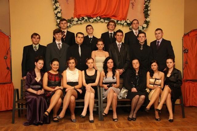 LO Namyslów: Studniówka 2009. Klasa III G.