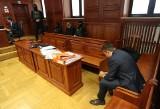 Marek F. skazany za nagrywanie polityków przeniesiony w trybie nadzwyczajnym w związku ze sprawą zmarłego boksera Dawida Kosteckiego?