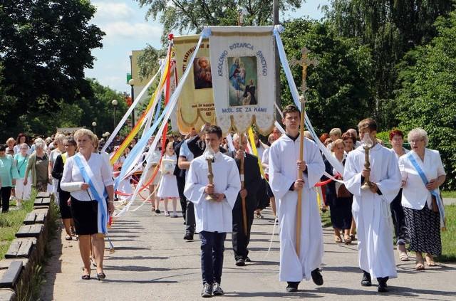 """W czwartek, 31 maja Kościół katolicki obchodzić będzie Uroczystość Najświętszego Ciała i Krwi Chrystusa. Sprawdzamy którędy i w jakich godzinach przechodzić będą procesje w grudziądzkich parafiach.Więcej urodzeń dzieci po wprowadzeniu programu """"Rodzina 500 plus""""."""