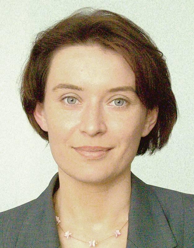 Jolanta Borkowska jest absolwentką Uniwersytetu im. Adama Mickiewicza w Poznaniu (politologia samorządowa, dziennikarstwo, mediacje...). Wcześniej ukończyła technikum o specjalności laborant spożywczy.