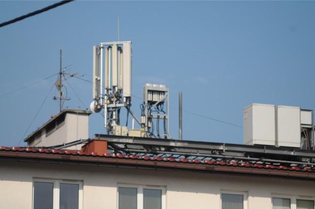Koronawirus w Polsce: Czy COVID-19 przenosi się drogą radiową? Czy sieci komórkowe i budowana sieć 5G mają wpływ na pandemię koronawirusa?
