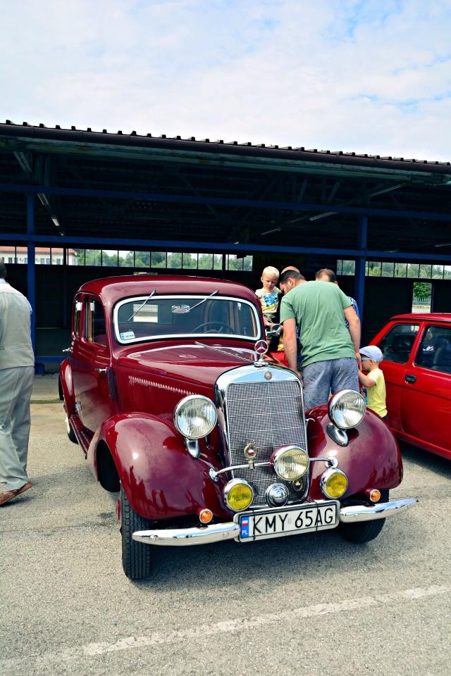 Najstarszym pojazdem był Mercedes z 1938 roku
