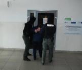 Napad na bank w Żukowie. Zatrzymano 40-latka podejrzanego o napad. W akcji wzięli udział policjanci z Kartuz i antyterroryści z Gdańska