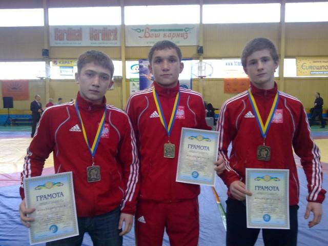 Marcin Babiej (z lewej) i Grzegorz Mielniczuk (w środku) podczas międzynarodowego turnieju na Ukrainie